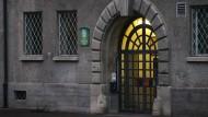 Eingangstür der Justizvollzugsanstalt Landsberg am Lech