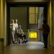 Auf dem Weg in den Gerichtssaal: Der greise John Demjanjuk