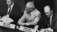 Unterzeichnung der KSZE-Schlussakte in Helsinki am 01. August 1975