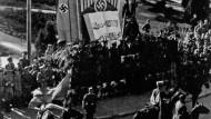 Ende des Ramadan: Parade in Kislowodsk/Kaukasus im Oktober 1942
