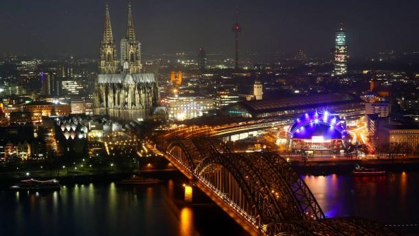 Unter Kölner Trümmern