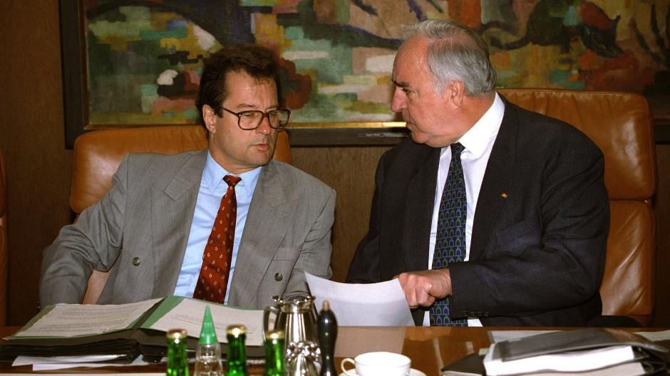 Klaus Kinkel und Helmut Kohl 1994 in Bonn