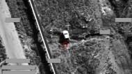 """Ein Screenshot der Royal Air Force zeigt einen Luftangriff auf ein Fahrzeug der Terrormiliz """"Islamischer Staat"""". Die Aufnahme wurde Ende September 2014 veröffentlicht."""