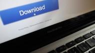 Vorsicht vor dem Klick: Nicht jeder Download-Button führt zu legalem Inhalt