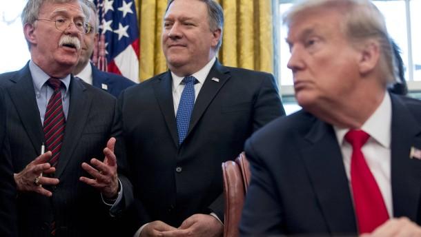 Widersteht Trump den Falken?