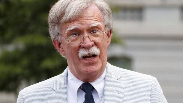 Bolton will aussagen