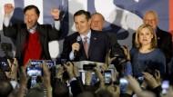 Bei den Vorwahlen in Iowa konnte Ted Cruz bei den Republikanern den Sieg verbuchen. In seiner Rede dankte er Gott.