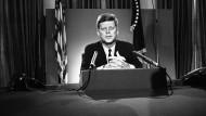 Die Ermordung von John F. Kennedy ist für viele Menschen immer noch nicht aufgeklärt.