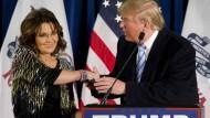 Sarah Palin und Donald Trump bei ihrem gemeinsamen Wahlkampfauftritt in Iowa.