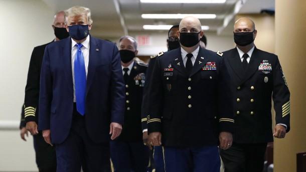 Trump wirft Generalen Kriegslust vor