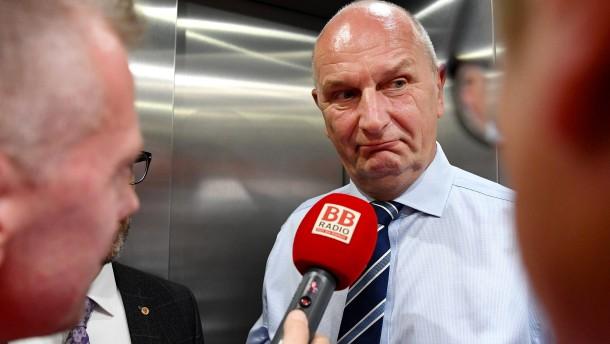 Schwierige Regierungsbildung in Potsdam und Dresden