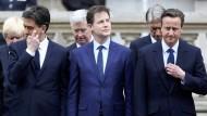 Zwei gehen, einer bleibt: David Cameron (r.) darf Ministerpräsident bleiben, während Nick Clegg und Ed Miliband ihre Ämter abgegeben haben.