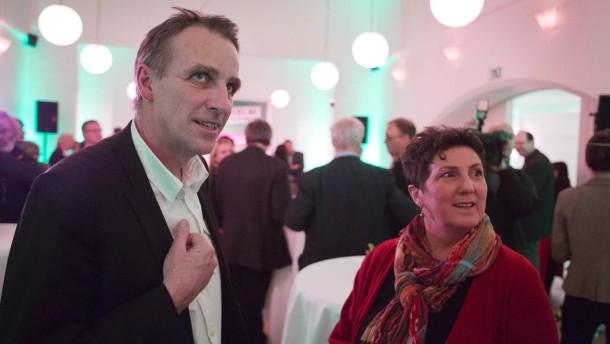 Anja Piel und Stefan Wenzel - Die Spitzenkandidaten der niedersächsischen Grünen für die Landtagswahl 2013 treten beim Neujahrsempfang ihrer Partei in Hannover gemeinsam mit den Landeslisten-Bewerbern auf.