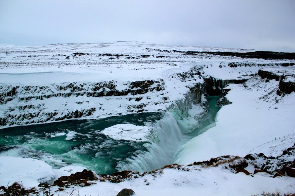 "Im Winter ein Kristall: Gullfoss, Islands ""Goldener Wasserfall"""