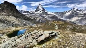 Dunkle Wolken über dem Matterhorn