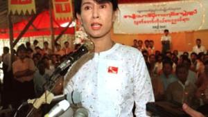 Hinter Myanmars goldenen Pagoden verbirgt sich bittere Armut