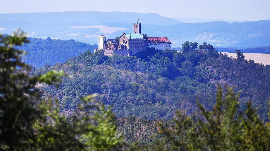Ein Mythenort der deutschen Geschichte, nicht nur wegen Martin Luther: die Wartburg hoch über Eisenach.
