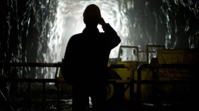 Glück auf, Kumpel: Im schwarzen Berg liegt pechschwarzes Uranerz. Doch geöffnet ist die Grube nur noch für Besucher.