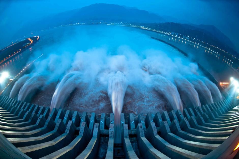 Das größte Wasserkraftwerk der Welt: Der Drei-Schluchten-Damm produziert jedes Jahr so viel Strom, wie ganz Belgien in zwölf Monaten verbraucht.