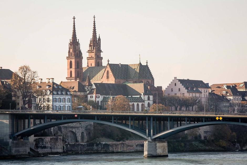 Tausendjähriger Stolz der Stadt: das Baseler Münster mit dem Viertel St. Alban.