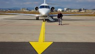 Wer keine Zeit, aber viel Geld hat, der kann mit so einer Cessna Citation Latitude wegfliegen. Vorausgesetzt, er ist fractional owner bei Netjets.