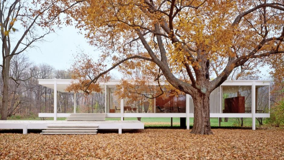Klare Linien, offene Räume, perfekte Proportionen: Ludwig Mies van der Rohes Farnsworth House ist ein Triumph des Minimalismus.
