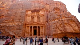 Massentourismus am Weltwunder Petra