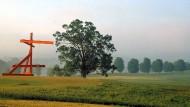 Die Stahlskulptur des amerikanischen Bildhauers Mark di Suvero passt sich in den Storm King Park ein.