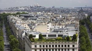 Im grünen Himmel über Paris