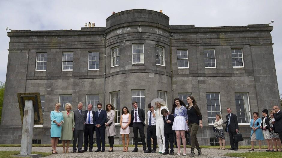 Lissadell House, der graue Kasten, hier mit Besuch aus dem Hause Windsor.