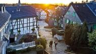 Die Industriestadt kann auch Idylle: in der Altstadt von Gräfrath.