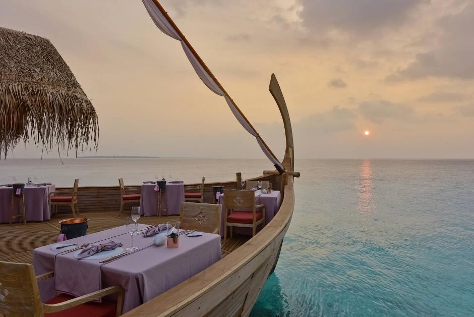 Das Restaurant Ba'theli in Form traditioneller Lastkähne ist das Reich von Chefkoch Ahmed Sivath. Die Rezepte stammen aus seiner Familie, er hat sie verfeinert.