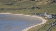 Die Landebahn in Barra liegt auf dem Strand und ist den Gezeiten ausgesetzt.