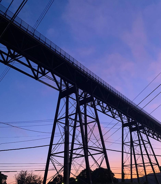Die längste Fußgängerbrücke über den Hudson River steht in Poughkeepsie.