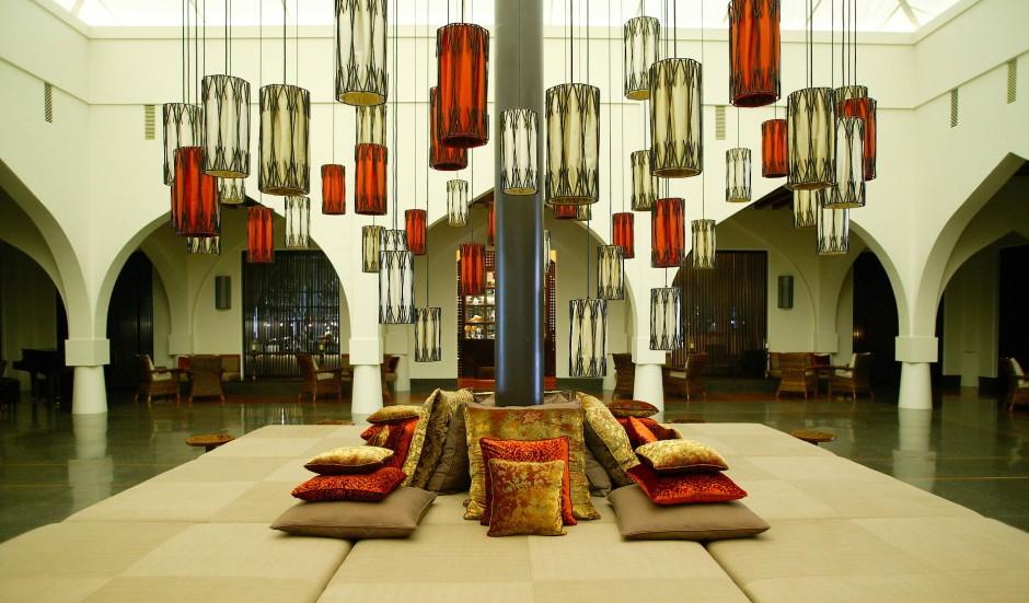 In der Heimat der Sofakultur: Die Lounge des Chedi.