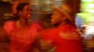 Die Krisen kommen und gehen wie die Tropenstürme. Eines aber bleibt immer in der Dominikanischen Republik: die Lust am Merengue-Tanzen.