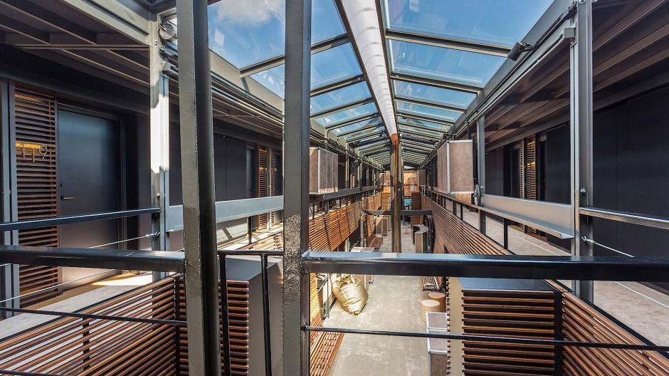 Vier Suiten und 54 Zimmer in zwei Schwimmkörpern: Vom Schwanken merkt man fast nichts.