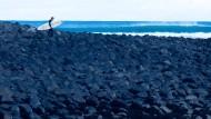 Steiniger Weg: Manu Bay begründete vor 50 Jahren Raglans Ruhm als Surfstädtchen.