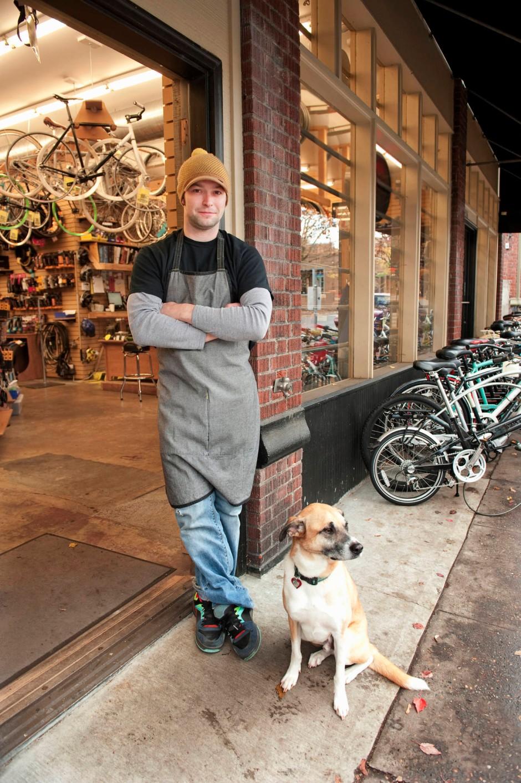 Wollmütze und Fahrrad gehen immer in Portland