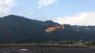 Mit dem Hubschrauber über die Reisterrassen