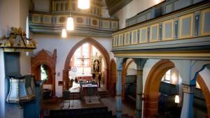 Als Spenden an Kirchen gedachte Tannen zerstückelt