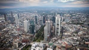 Finanzplatz profitiert international – und verliert Jobs