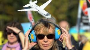 Bündnis gegen Fluglärm will Politikern Druck machen