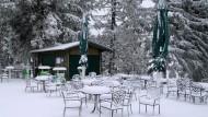 """Von wegen Bier im Freien: """"Auf der Wasserkuppe kann man heute sehr gut Schneemänner bauen oder eine Schneeballschlacht machen"""""""