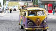 Der legendäre VW Bully: Auf der IAA werden auch alte Sammlerstücke gezeigt.