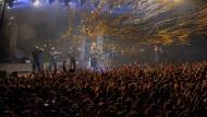 Volles Rohr: K.I.Z. verschießen Luftschlangen - wie hier in Offenbach