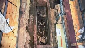 Wer liegt drin im 1000 Jahre alten Sarkophag von Mainz?