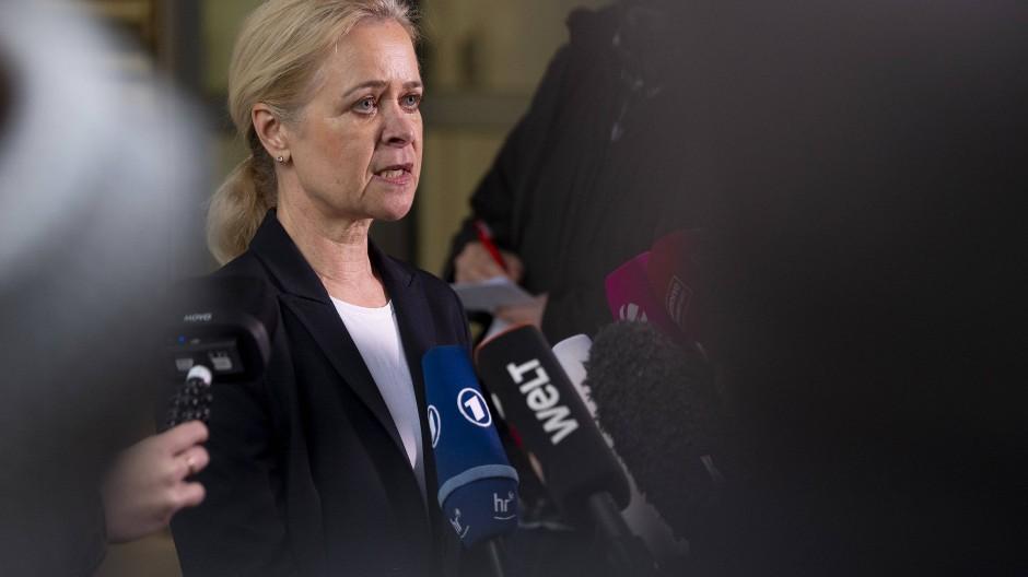 """Zugriff: Der Fahndungserfolg sei eine Mischung """"aus klassischer Ermittlungsarbeit und vertieften Internetrecherchen"""", so  Staatsanwaltschaft-Sprecherin Niesen"""