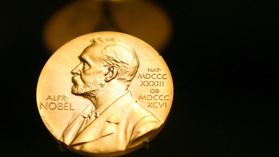 Ausgezeichnet: Bringen beide Nobelpreise für Literatur den Frankfurter Verlagen internationalen Ruhm?