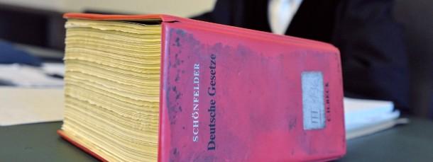 Juristische Schritte: Ein Anwalt aus Frankfurt hat Anzeige erstattet gegen die Organisatoren so genannter Aufreiß-Seminare für Männer.